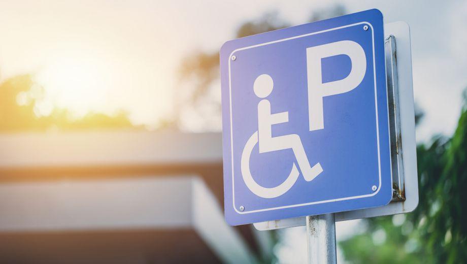 Parkeren met de gehandicaptenparkeerkaart: Hoe zit dat eigenlijk?